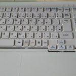 ノートパソコンのキーボード交換で利益9000円