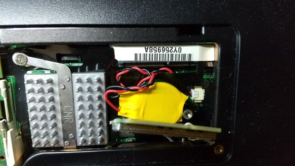 ノートパソコンのCmos電池の交換 part1